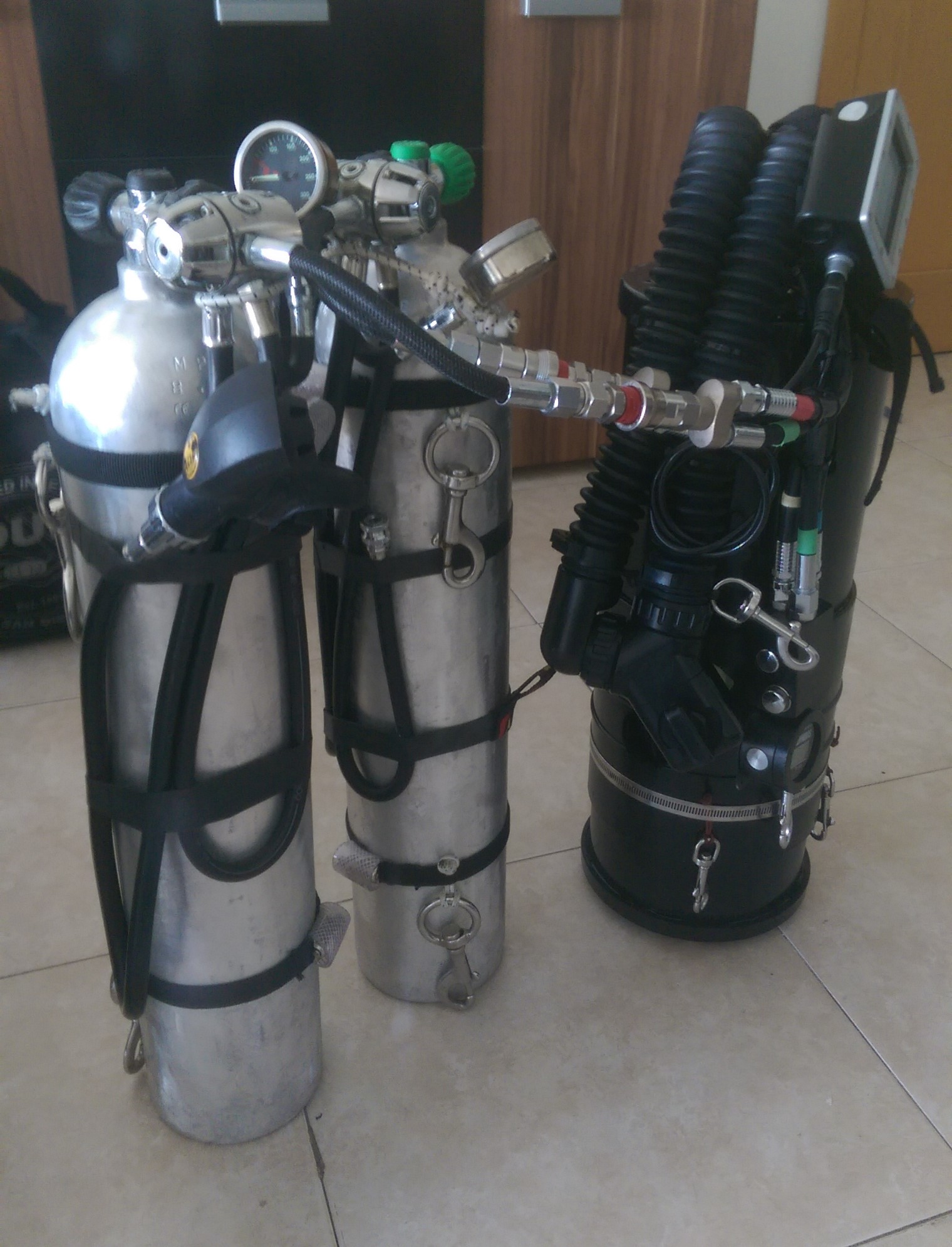 Dive-Systems-Proteus-P2-Sidemount-Rebreather--6475.jpg