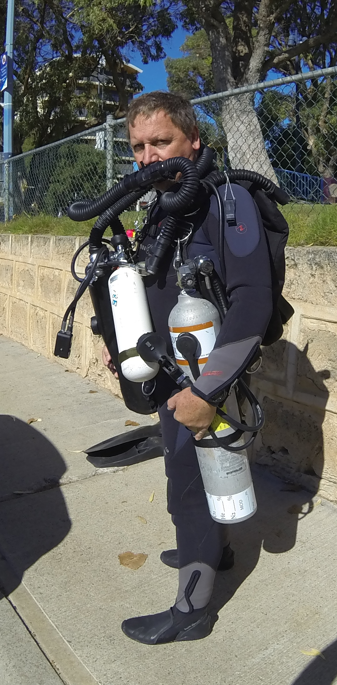 Dive-Systems-Proteus-P2-Sidemount-Rebreather-0671a.jpg